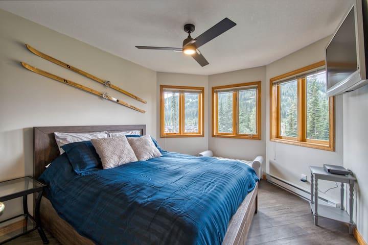 Master Bedroom w/ Smart TV