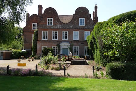 Mangreen Country House - Swardeston - Bed & Breakfast