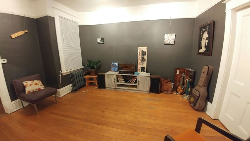 Vibrant, downtown location - Saskatoon - Apartament