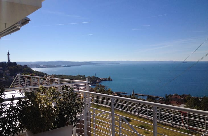 Stunning sea view of the Gulf of Trieste - Trieste - Apartment