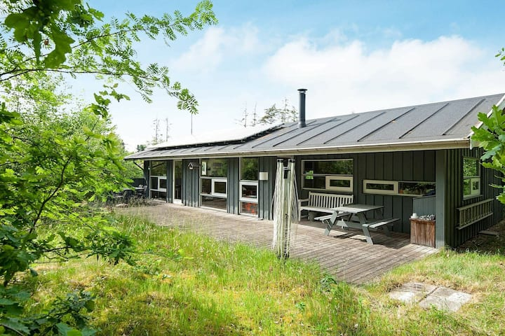 Breathtaking Holiday Home in Ebeltoft near the Beach