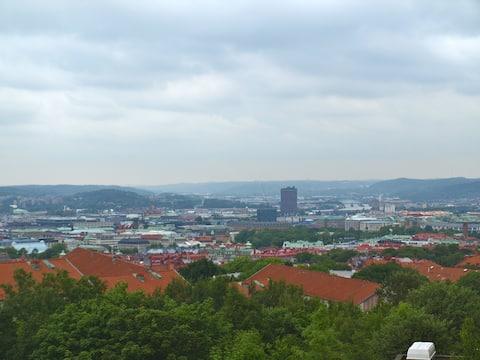 Estudio con vista a la ciudad