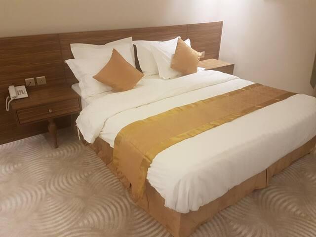 فندق هيلز غرف فندقية مريحه بسعر مناسب وموقع مميز