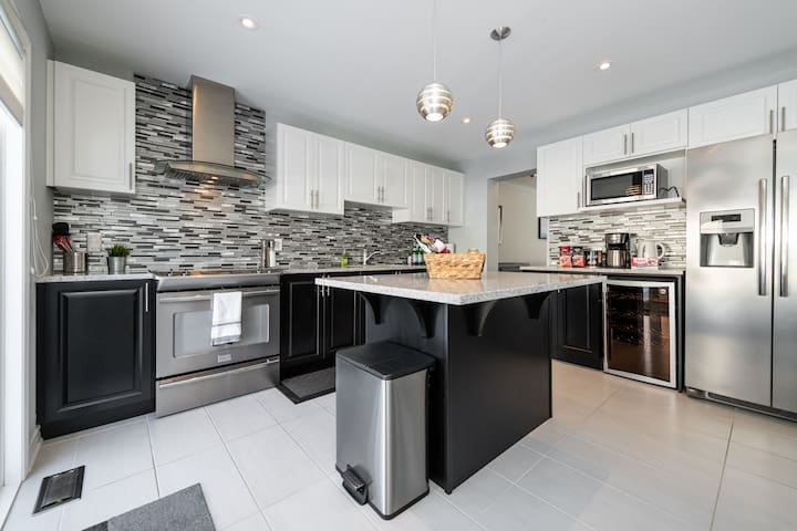Stittsville / Kanata Executive Townhouse