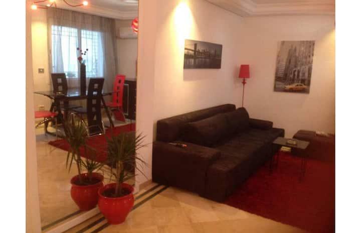 Appartement chaleureux à Ennasr 2