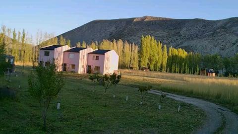 LAS DIUCAS. Casas turísticas en Patagonia Norte