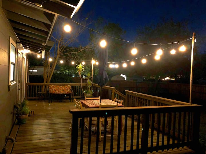 Cozy home, convenient location & great amenities!