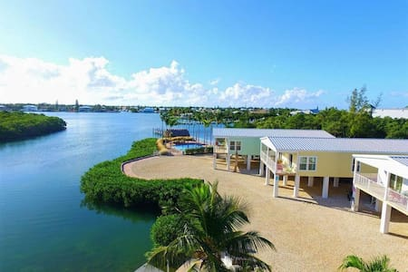 G Beautiful Luxury Single family home Waterfront in Shelter Bay, Marathon FL