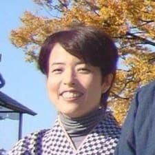 Yoshiko on majoittaja.