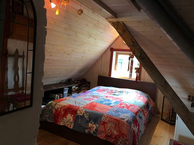 Bedroom nr 3 on second floor: With a 140 cm double bed.