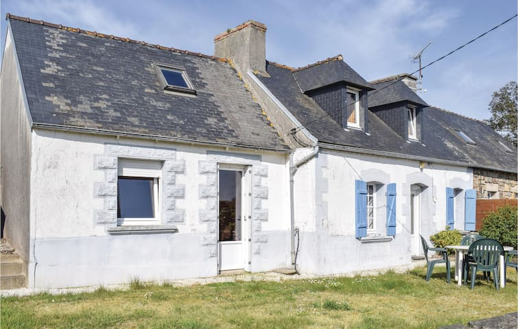 Semi-Detached with 2 bedrooms on 75m² in Kerbors