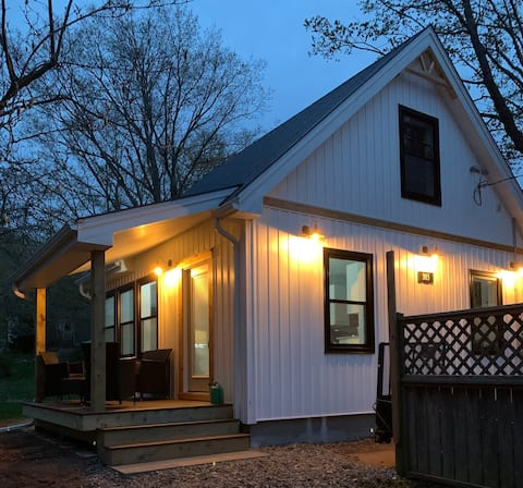 BRAND NEW GUESTHOUSE IN THE HEART OF WOLFVILLE