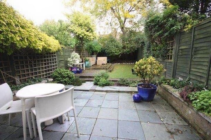 Relaxing double room in gorgeous Edwardian house - Greater London - Huis