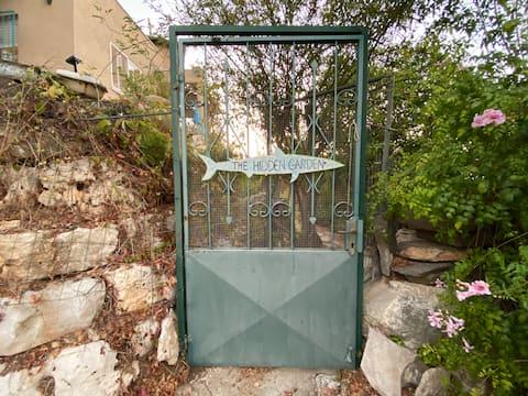 Skrytá záhrada v Kiryat Tivon