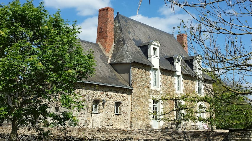 La Grange du Plessis - Chambre Mangue - Segré - Guesthouse