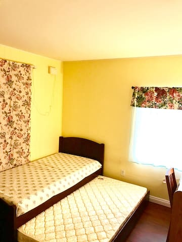 Charming and cozy bedroom in Anaheim - 干净整洁舒适 - Anaheim - Huis