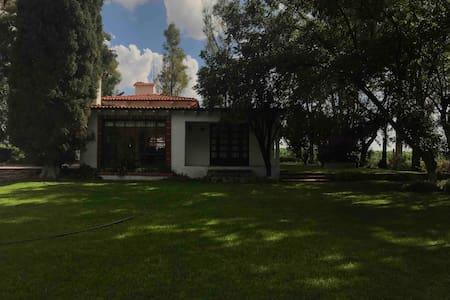 """Casa  Campestre  """"El Suspiro"""", Tequisquiapan Qro."""