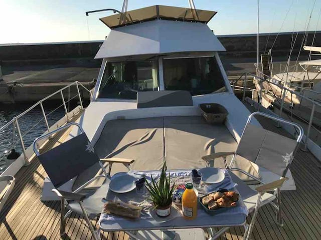 Paniol Yacht 2 bed Jacuzzi terrasse room priver ✈️