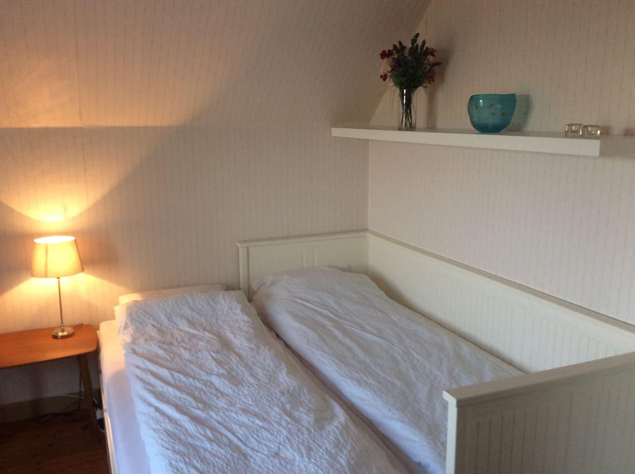 Soveværelse 2 med dobbeltseng