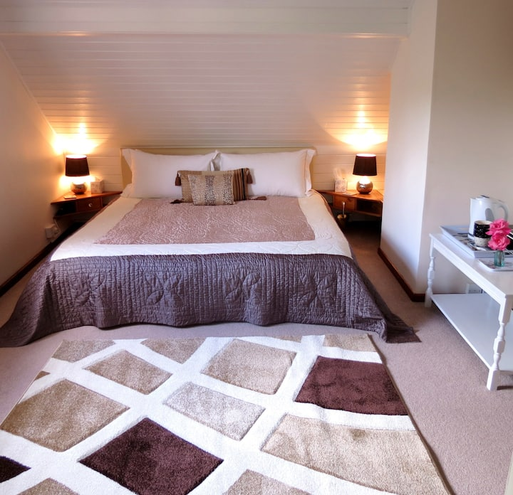 Stones Throw Bed and Breakfast - Near Narberth