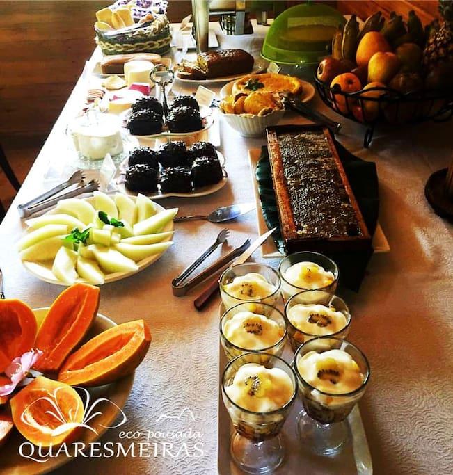 Mesa do café da manhã.