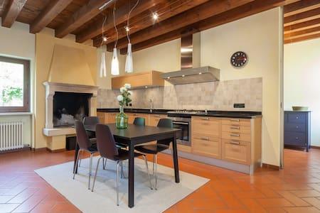Casa in Valpolicella ,oasi di pace - Arbizzano-Santa Maria