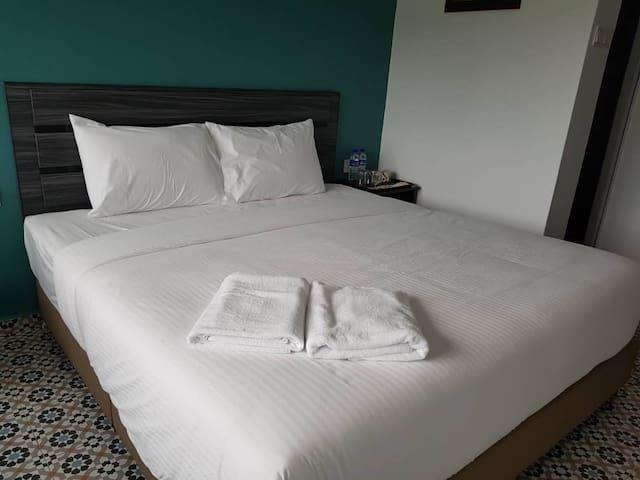 Pearl Inn 3rd Floor King Room - RO2