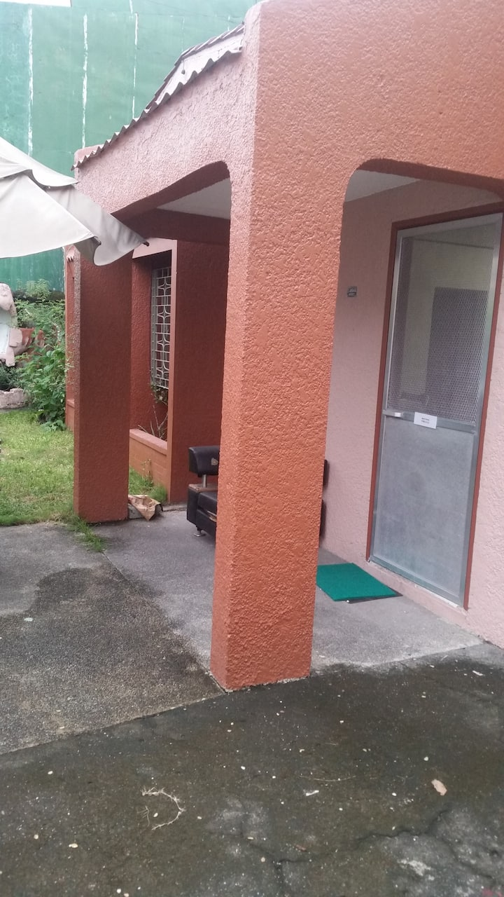 RedDoorz Guest House 3Br/Wifi/Aircon/TV w/ cable