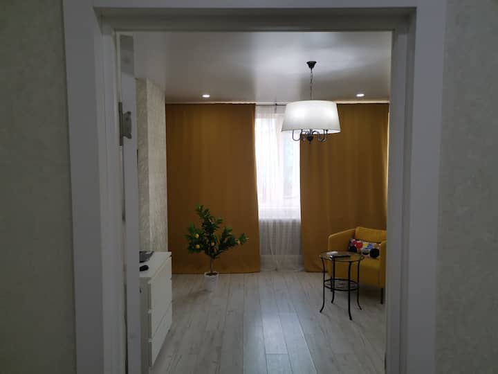 Bright 2BR flat in 5 minutes from riverside