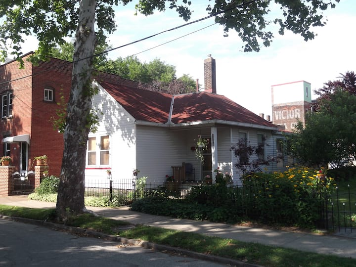 Plum Stone Court's Cooper House in Ohio City