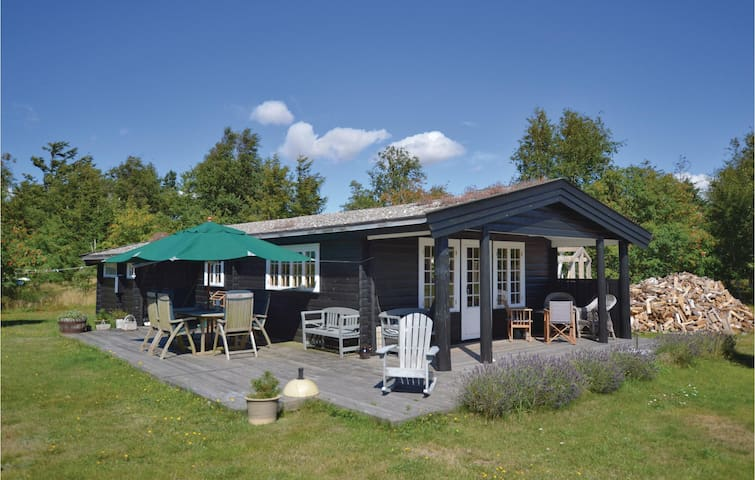 Holiday cottage with 3 bedrooms on 74m² in Store Fuglede