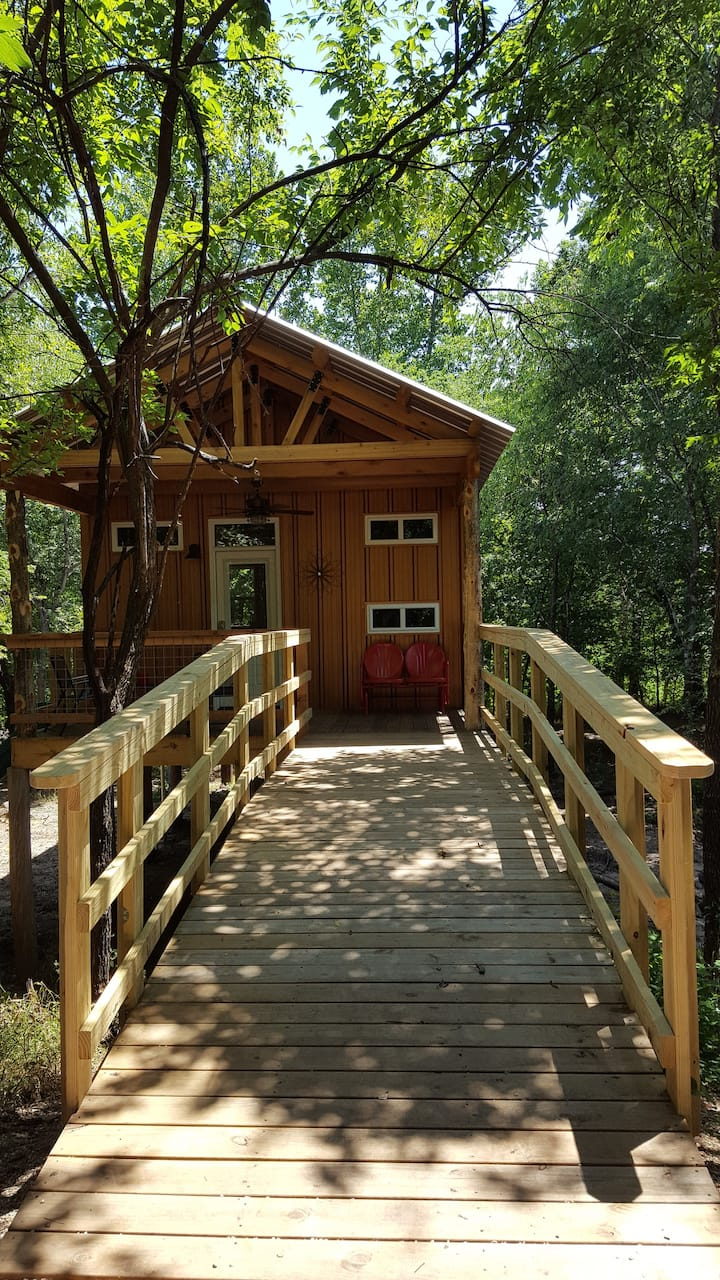 Rock Creek Retreat-Lincoln Lodge Treehouseglamping