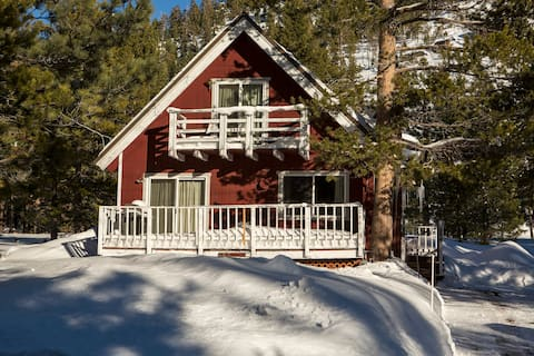 Red Mountain Cabin: Tahoe base with EV Charging