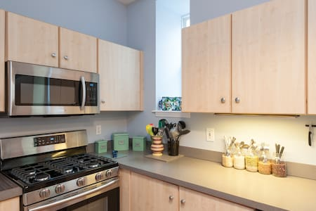 Groups Welcome!  Near St. Louis Arch! 5+ Beds! - Сент-Луис - Дом