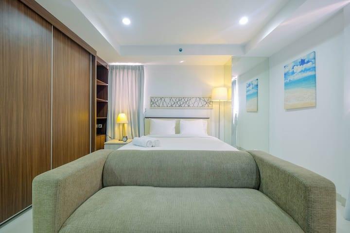 Trendy and Spacious Studio Azalea Suites Apartment