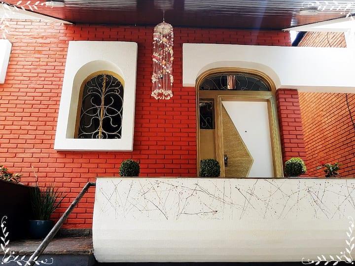 HOTEL  CASTELINHO SUITE  02 CAMAS DE SOLTEIRO BOX