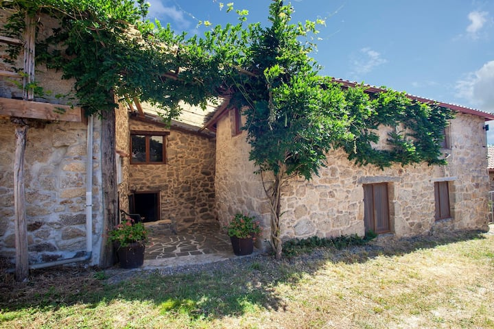 Cosy home in farmhouse in the Ribeira Sacra