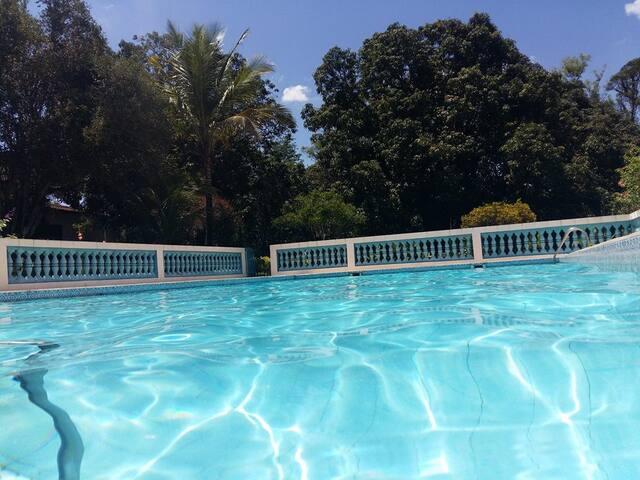 Maravilhosa chácara com piscina em Piracicaba SP
