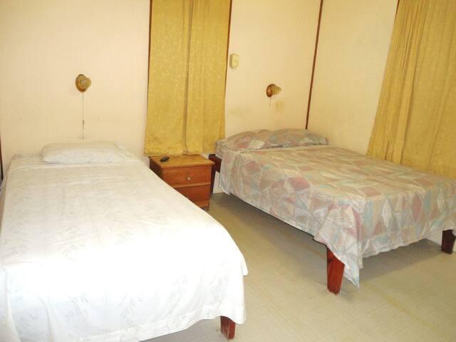 Caye Caulker Rooms RM1