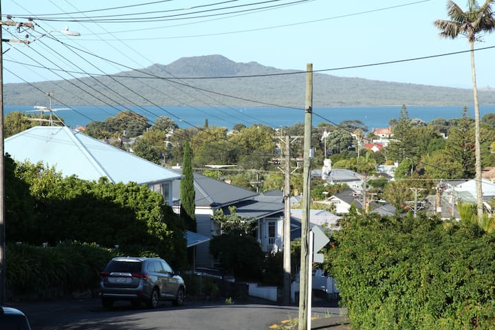 In the Heart of Devonport - Auckland - Guesthouse