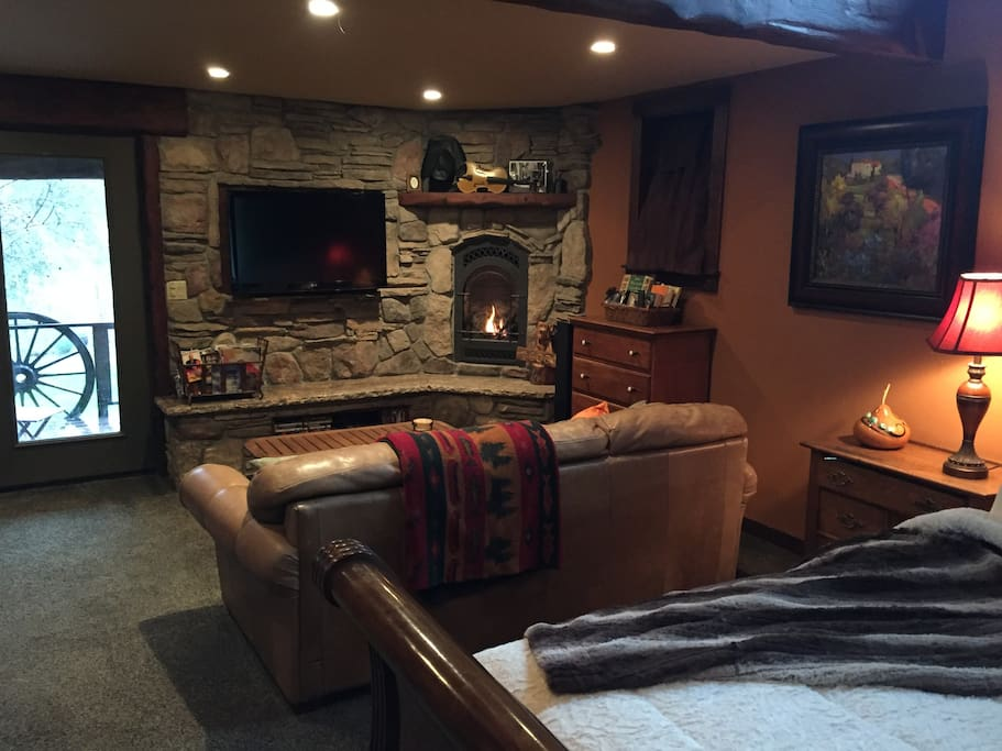 Den, Fireplace, 50 inch TV with Netflix and Amazon