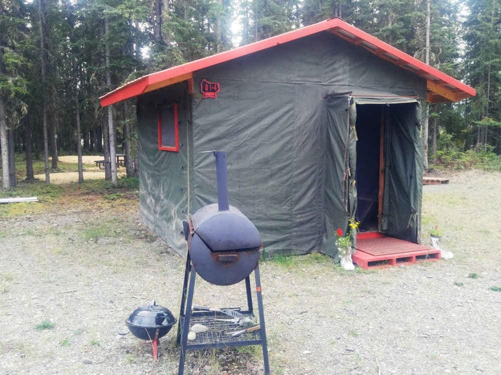 Arctic Tent Bunk-A Alaskan Stoves C&ground - Tents for Rent in Tok Alaska United States & Arctic Tent Bunk-A Alaskan Stoves Campground - Tents for Rent in ...