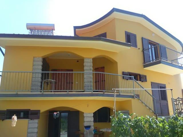 House - magomadas