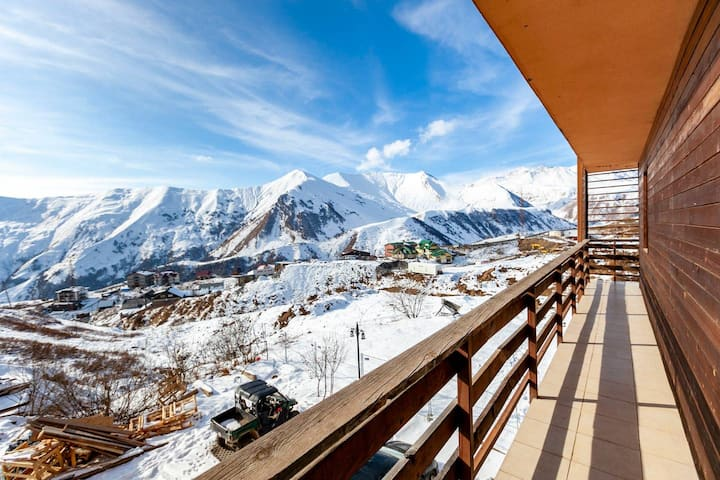 ❆Bright & cozy 2BR apt. w/ balcony in Gudauri❆