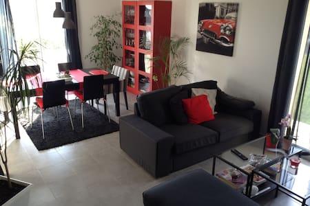 Maison récente indépendante - Saint-Quentin-sur-le-Homme