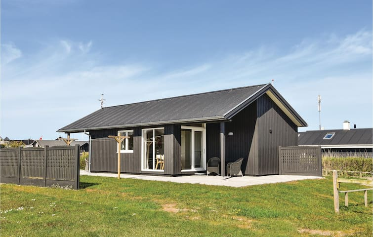 Holiday cottage with 2 bedrooms on 61m² in Ringkøbing
