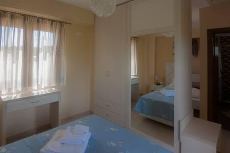 Ianthi maisonettes - Nea Roda - Wohnung