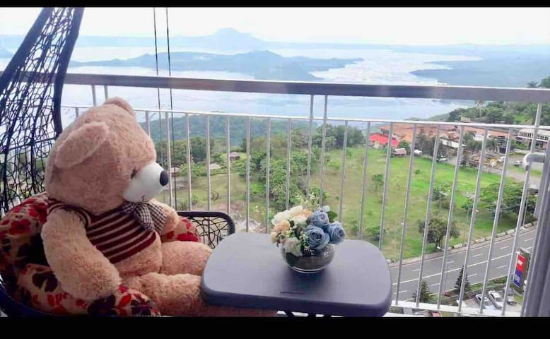 Wind Residence Taal view Swing Ntflix wifi prking