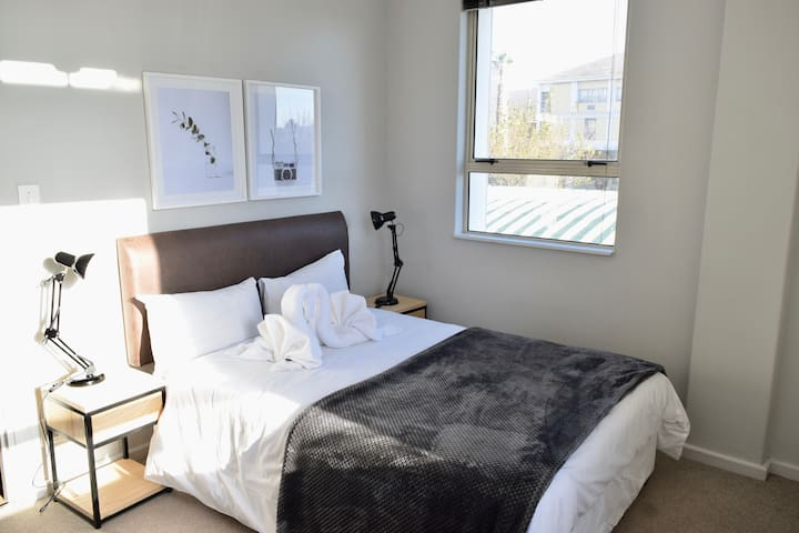 Private Apartment @Ports Edge