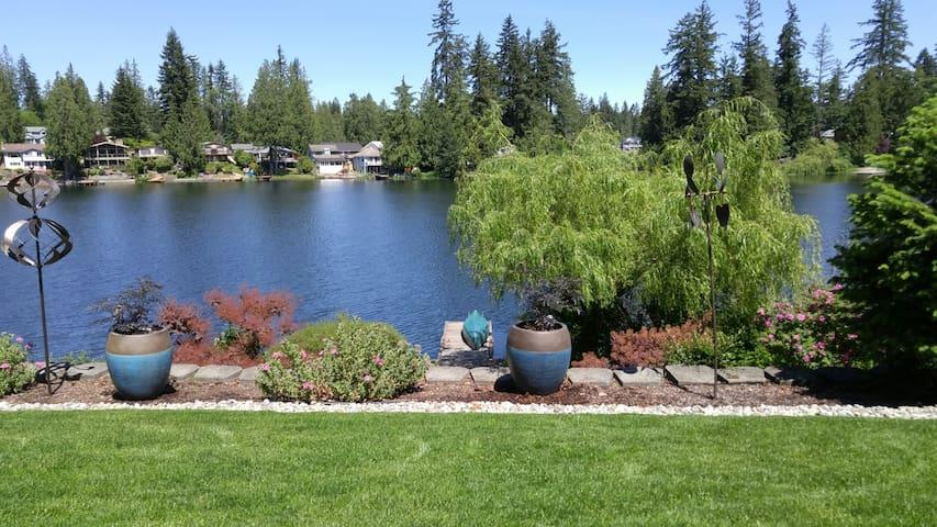 Maple Valley Lakeside Daylight Basement Apartment